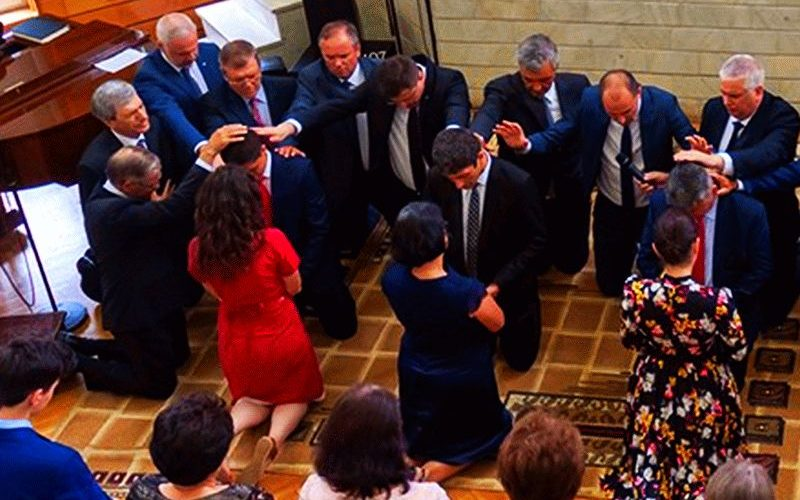 Despre Ordinare sau Hirotonire și Punerea Mâinilor | Biserica Protestantă Evanghelică