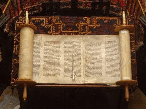 Predică: cu ce au fost înlocuite decalogul și poruncile Legii? | Biserica Protestantă Evanghelică